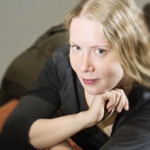 30.11.2007 on kuvattu FIMICIn arkistoon säveltäjä Maija Hynnistä Kaapelitehtaalla.
